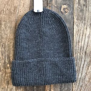 NWT Melrose and Market Grey Knit Hat